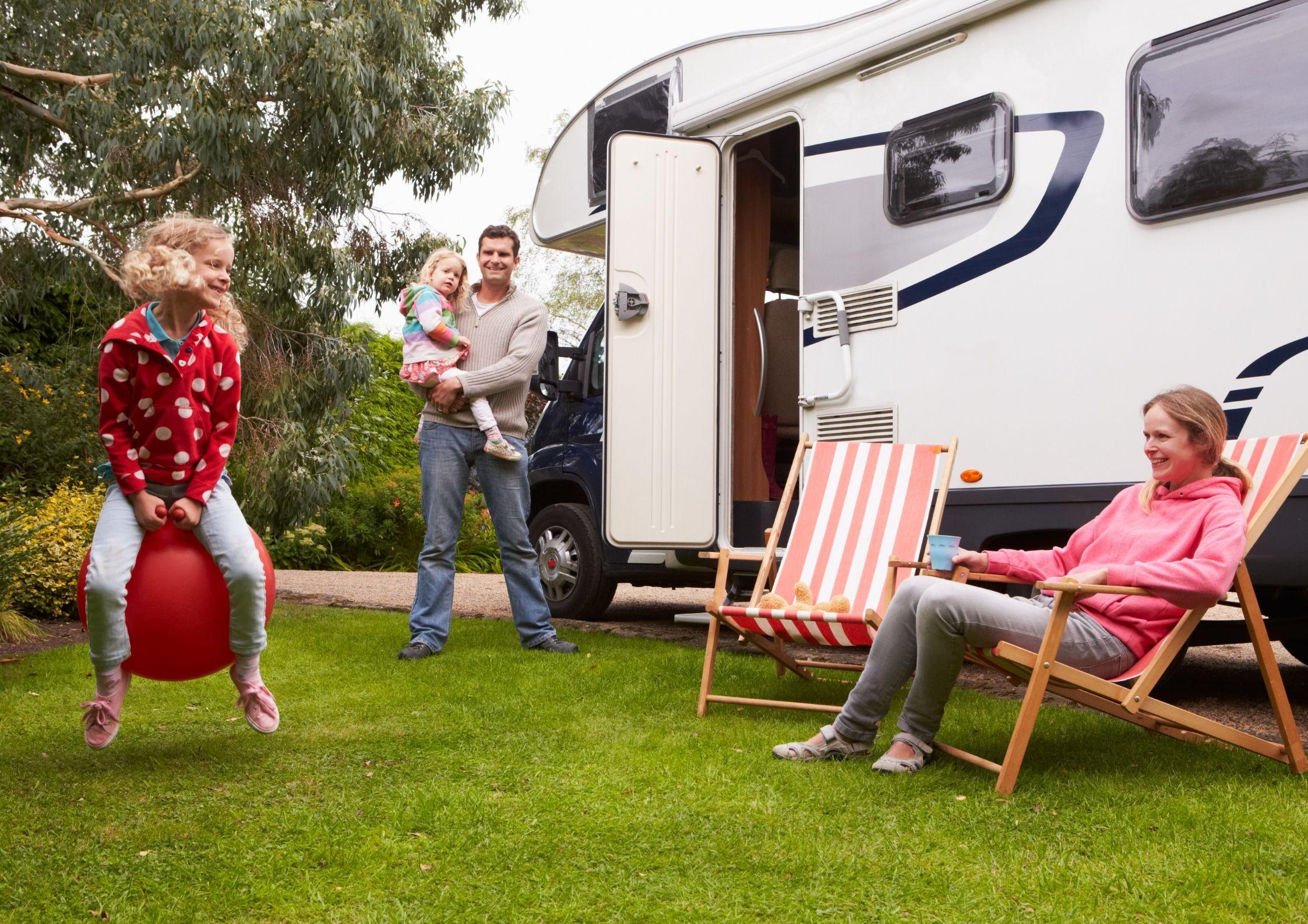 Emplacement pour les camping-car au camping de Chanac