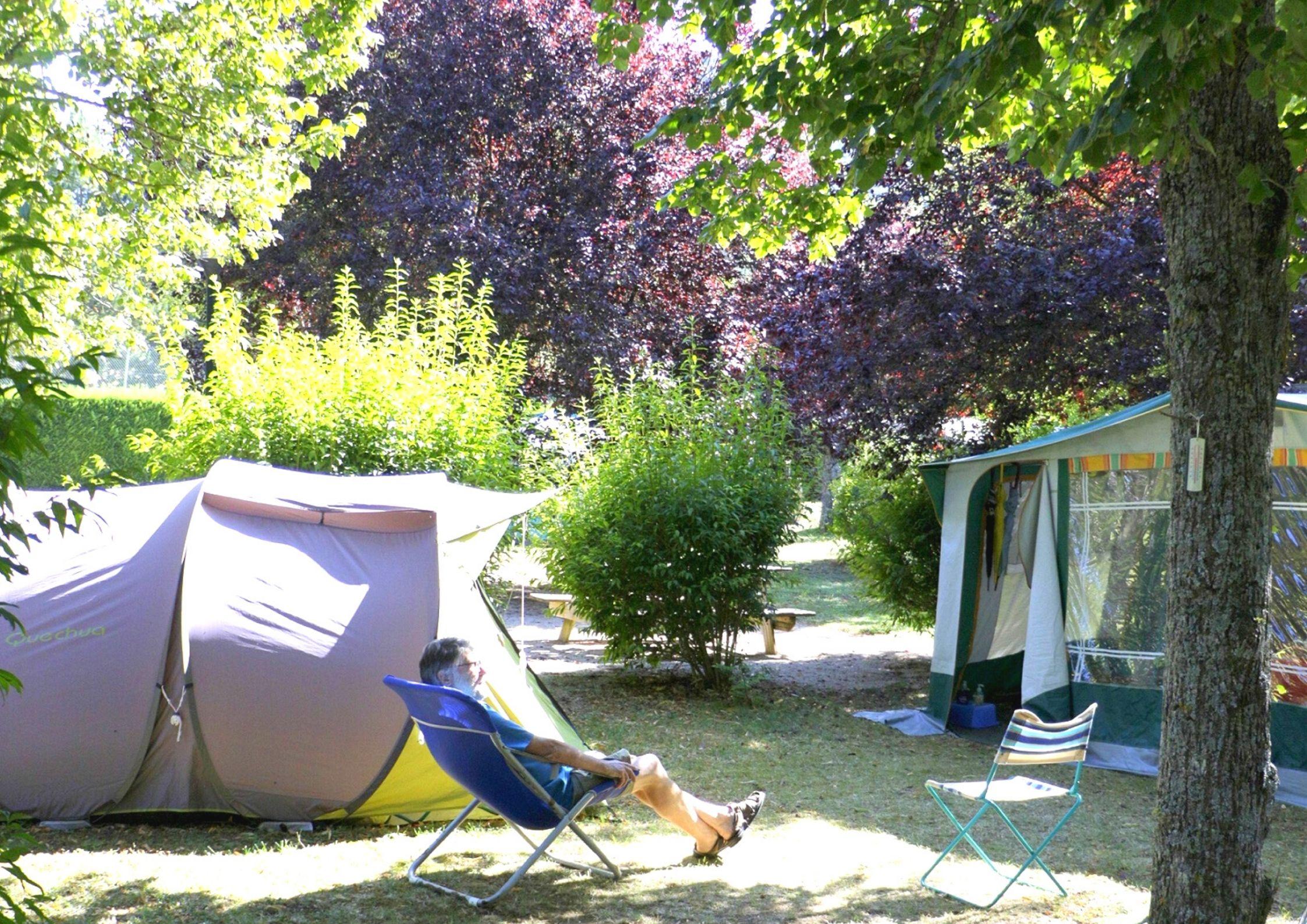 Emplacement du camping de Chanac pour tente