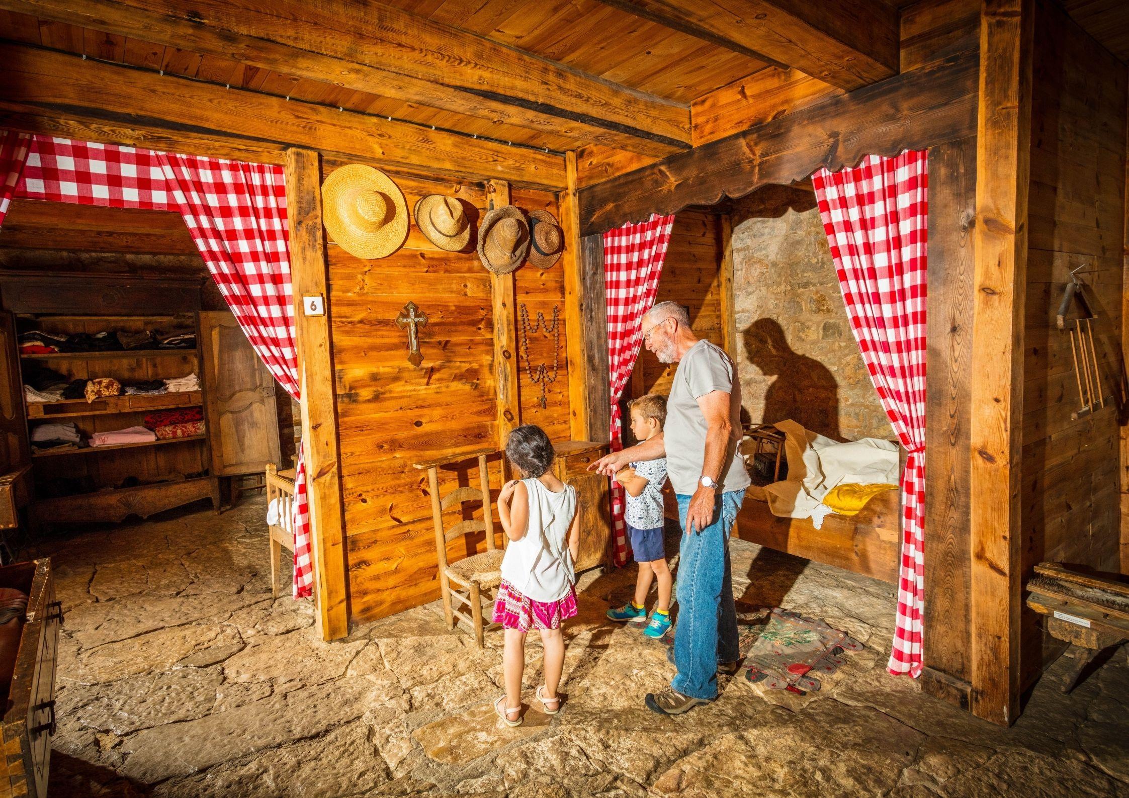 Activités familiale autour de Chanac - Ferme Caussenarde d'Autrefois
